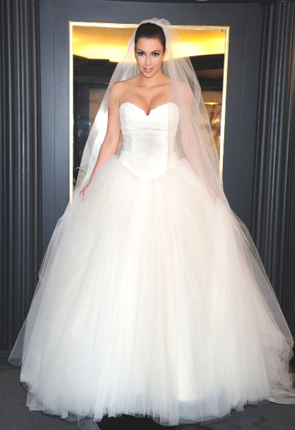 Les-robes-meringues-comme-celles-de-Kim-Kardashian